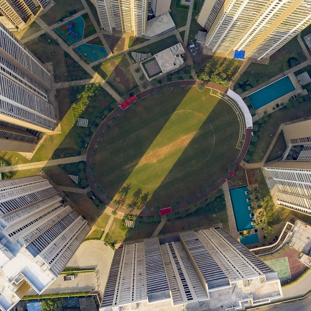 powers the big guns with real estate data